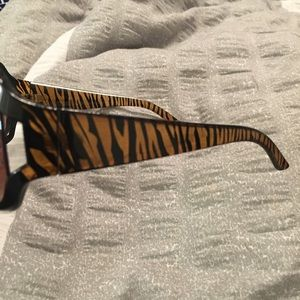 Accessories - Brown zebra striped sunglasses